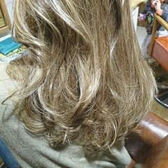 外国人風 アッシュ セミロング ミディアム ヘアスタイルや髪型の写真・画像