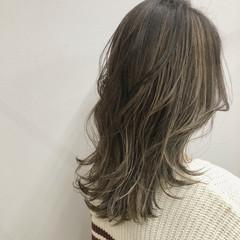 髪質改善トリートメント ハイライト コントラストハイライト セミロング ヘアスタイルや髪型の写真・画像