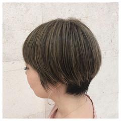 アッシュベージュ 外国人風カラー 地毛ハイライト ベージュ ヘアスタイルや髪型の写真・画像