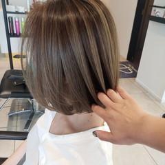 ハイトーンカラー ボブ アッシュグレージュ ミニボブ ヘアスタイルや髪型の写真・画像