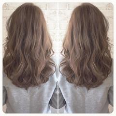 ハイライト ダブルカラー ロング アッシュ ヘアスタイルや髪型の写真・画像