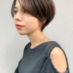 ショート ナチュラル 耳掛けショート 横顔美人 ヘアスタイルや髪型の写真・画像