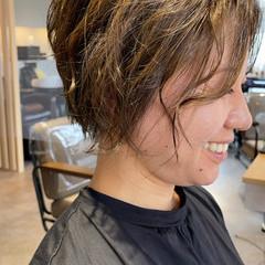 ショート ショートヘア インナーカラー ナチュラル ヘアスタイルや髪型の写真・画像