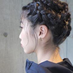 ミディアム モード デート パーマ ヘアスタイルや髪型の写真・画像