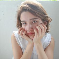 ミディアム ナチュラル ピュア 透明感 ヘアスタイルや髪型の写真・画像