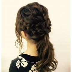編み込み ヘアアレンジ ラフ ウェーブ ヘアスタイルや髪型の写真・画像