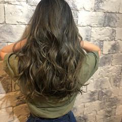 イルミナカラー ロング ナチュラル グラデーションカラー ヘアスタイルや髪型の写真・画像