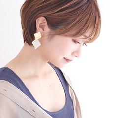 耳かけ ミニボブ ショートヘア ショートボブ ヘアスタイルや髪型の写真・画像