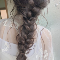結婚式 大人かわいい ガーリー アンニュイほつれヘア ヘアスタイルや髪型の写真・画像
