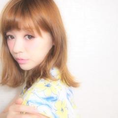 パーマ ブラウン ミディアム ヘアアレンジ ヘアスタイルや髪型の写真・画像