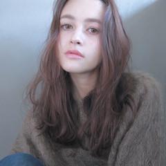 外国人風 簡単 ウェーブ セミロング ヘアスタイルや髪型の写真・画像
