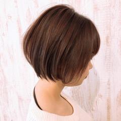 小顔ショート ショート ショートヘア ナチュラル ヘアスタイルや髪型の写真・画像