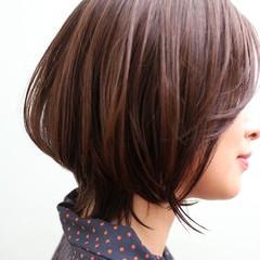 ウルフカット モテ髪 オフィス ナチュラル ヘアスタイルや髪型の写真・画像