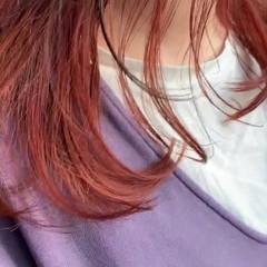 セミロング インナーカラーレッド グレージュ インナーカラー ヘアスタイルや髪型の写真・画像