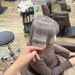 アッシュグレージュ シルバーアッシュ シルバーグレー ホワイトベージュ ヘアスタイルや髪型の写真・画像