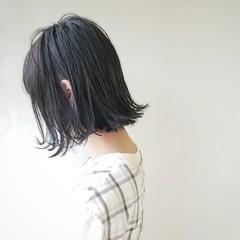 ボブ 外ハネ アッシュ アッシュグレー ヘアスタイルや髪型の写真・画像