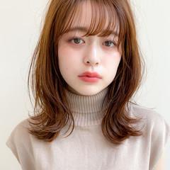 アンニュイほつれヘア ミディアム グレージュ ナチュラル ヘアスタイルや髪型の写真・画像