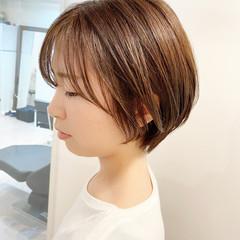 ショートヘア デート ゆるふわ オフィス ヘアスタイルや髪型の写真・画像