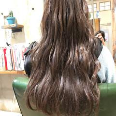 アッシュ ロング ナチュラル グラデーションカラー ヘアスタイルや髪型の写真・画像