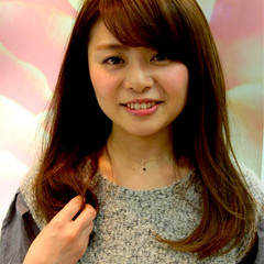 大人かわいい 外国人風 ロング ナチュラル ヘアスタイルや髪型の写真・画像