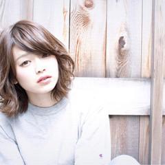 アッシュ 大人かわいい ブラウン 外国人風 ヘアスタイルや髪型の写真・画像