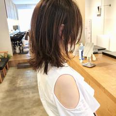 ウルフカット レイヤースタイル レイヤーカット ナチュラル ヘアスタイルや髪型の写真・画像