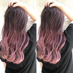 バレイヤージュ ピンクバイオレット ピンクパープル ストリート ヘアスタイルや髪型の写真・画像