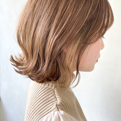 切りっぱなしボブ 大人かわいい ナチュラル インナーカラー ヘアスタイルや髪型の写真・画像
