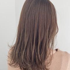 ナチュラル ミディアム 透明感カラー アンニュイほつれヘア ヘアスタイルや髪型の写真・画像