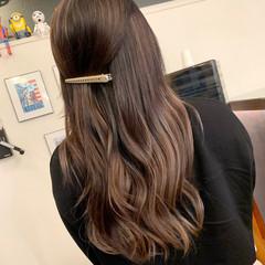 アッシュベージュ ピンクベージュ ミルクティーベージュ エクステ ヘアスタイルや髪型の写真・画像