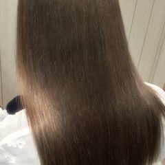 ブリーチ ミルクティーベージュ セミロング ナチュラル ヘアスタイルや髪型の写真・画像