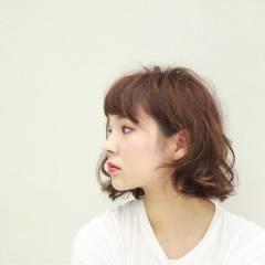 ストリート 外国人風 マルサラ ボブ ヘアスタイルや髪型の写真・画像