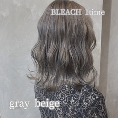 ミディアム ナチュラル グレージュ 韓国風ヘアー ヘアスタイルや髪型の写真・画像