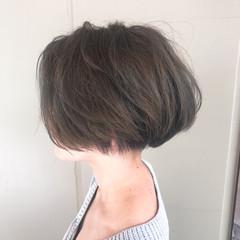グレージュ アッシュ ストリート ボブ ヘアスタイルや髪型の写真・画像