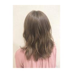 透明感 アンニュイ ウェーブ フェミニン ヘアスタイルや髪型の写真・画像