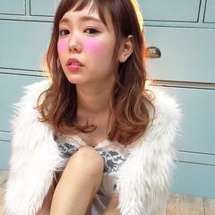 ゆるふわ 大人かわいい 渋谷系 セミロング ヘアスタイルや髪型の写真・画像