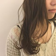 ロング 透明感 ブルージュ ブルーアッシュ ヘアスタイルや髪型の写真・画像