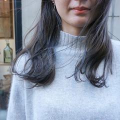 ミディアム 透明感カラー ナチュラル 暗髪 ヘアスタイルや髪型の写真・画像