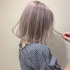 ピンク 切りっぱなしボブ フェミニン ミニボブ ヘアスタイルや髪型の写真・画像