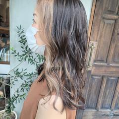 ナチュラル インナーカラー ショコラブラウン かき上げ前髪 ヘアスタイルや髪型の写真・画像