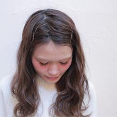 ナチュラル ハイライト アッシュ セミロング ヘアスタイルや髪型の写真・画像
