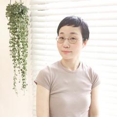 ナチュラル 黒髪 ショート くせ毛風 ヘアスタイルや髪型の写真・画像