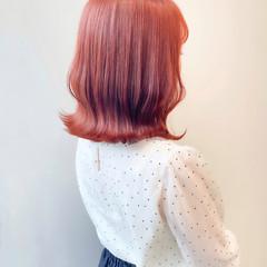 ブリーチなし 切りっぱなしボブ ミディアム オレンジ ヘアスタイルや髪型の写真・画像