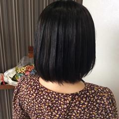 ダークグレー グレーアッシュ ショートボブ ナチュラル ヘアスタイルや髪型の写真・画像