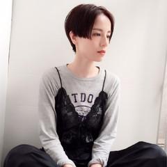 黒髪 ショート センターパート アッシュ ヘアスタイルや髪型の写真・画像