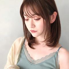 ミディアム アンニュイほつれヘア ミディアムレイヤー 鎖骨ミディアム ヘアスタイルや髪型の写真・画像