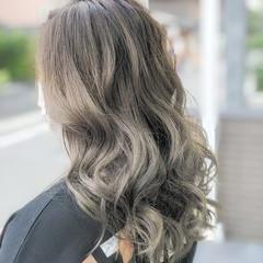 バレイヤージュ ロング ナチュラル グラデーションカラー ヘアスタイルや髪型の写真・画像