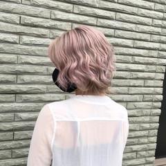 ショート ミルクティーベージュ 外国人風 アッシュベージュ ヘアスタイルや髪型の写真・画像