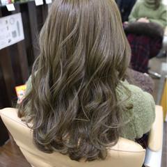 フリンジバング イルミナカラー セミロング アッシュ ヘアスタイルや髪型の写真・画像
