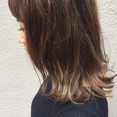 アッシュ ヌーディベージュ グラデーションカラー ストリート ヘアスタイルや髪型の写真・画像